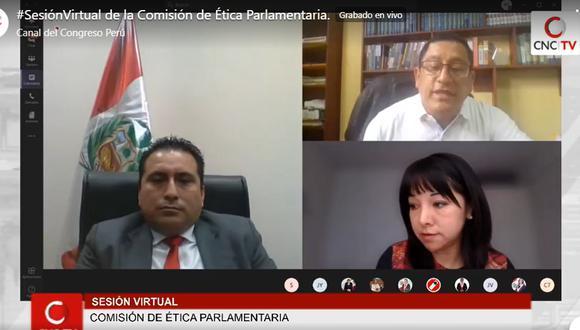 Mariano Yupanqui (Somos Perú, a la izquierda de la foto) votó por sí mismo como presidente de la Comisión de Ética, superando por 1 voto a su rival y antecesor, César Gonzales. (Foto: Captura de TV)