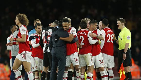 Jugadores del Arsenal aceptarán reducción de su salario ante la crisis por coronavirus. (Foto: AFP)