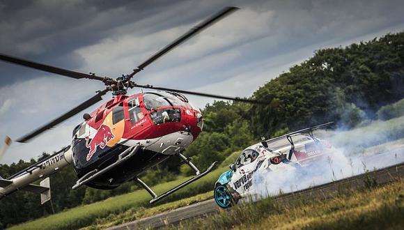 "Felix Baumgartner hace ""drifting"" con un helicóptero"
