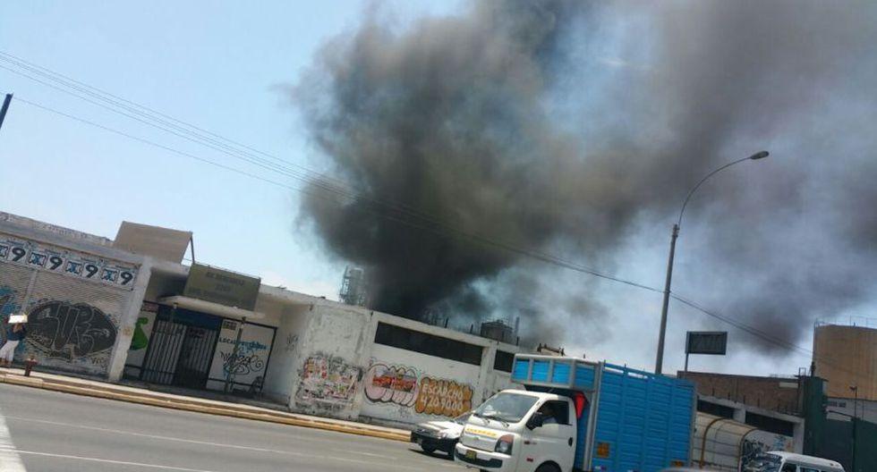 Cercado de Lima: incendio afecta almacén en la Av. Venezuela - 5