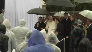 Papa Francisco y papa emérito Benedicto XVI fueron vacunados contra la COVID-19