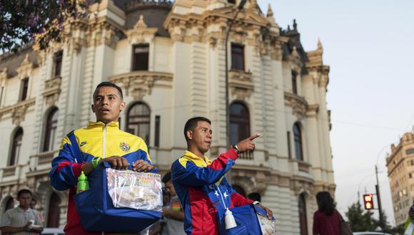 El informe contiene testimonios de los venezolanos que han venido al Perú. (Diseño: El Comercio)