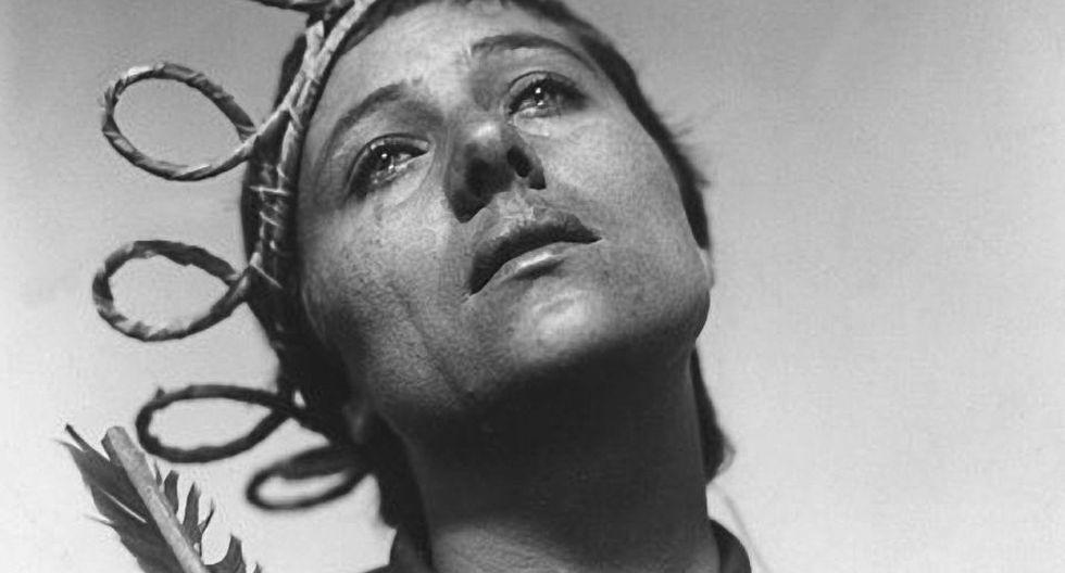 La pasión de Juana de Arco (1928), del director y guionista danés Carl Theodor Dreyer, fue protagonizada por Maria Renée Falconetti. Narra el procesamiento de la heroína francesa Juana de Arco ante la Inquisición. Fue prohibida en el Reino Unido por su representación de groseros soldados ingleses que se burlan y atormentan a Juana en escenas que copian los relatos bíblicos de Cristo burlado a manos de los soldados romanos.