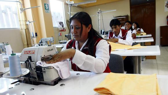 Las pymes textiles sufren desventaja frente a los productos importados, apuntó la SNI. (Foto: USI)