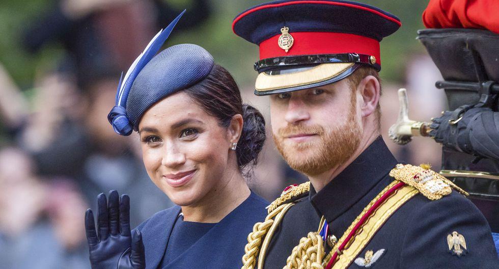 """El príncipe Harry y Meghan Markle informaron que han decidido """"comenzar a forjar durante este año un nuevo rol"""" dentro de la monarquía (Foto: AP)"""