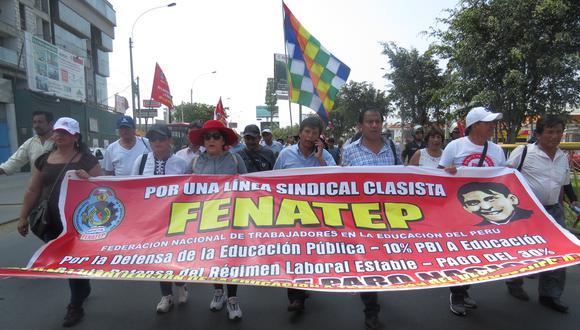 Después de concluida la huelga magisterial del 2017, Pedro Castillo conformó un nuevo gremio sindical llamado Fenate - Perú. Reclutó, entre otros, a ex miembros del Conare.