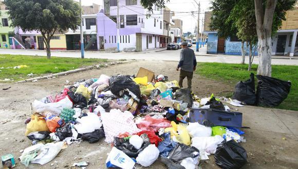 Los vecinos del Callao se han visto perjudicados con la acumulación de basura en las calles. (Foto: Jessica Vicente/ @photo.gec)