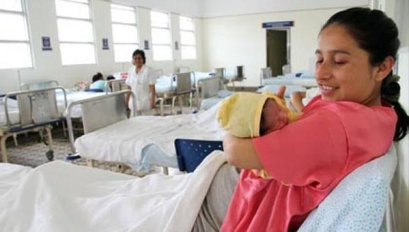 Embarazadas deben recibir seis atenciones médicas como mínimo
