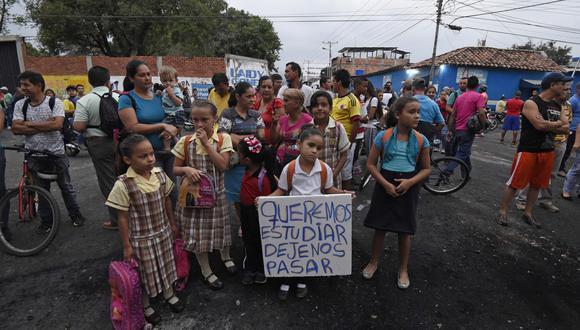 Militares y policías impiden paso de colegiales de Venezuela que estudian en Colombia. Foto: archivo AFP