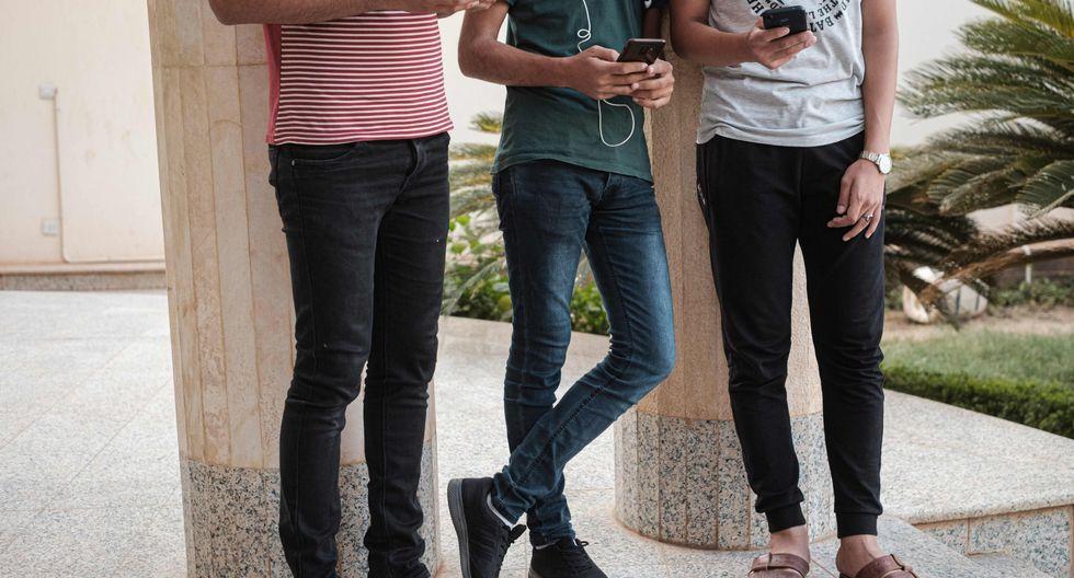 Se calcula que un 17% de los estudiantes de Estados Unidos no tienen acceso a computadoras en sus casas. (AFP)