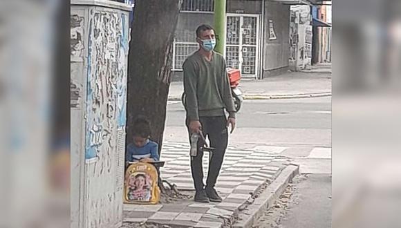 Limpiaba autos en semáforos y consiguió su primer trabajo gracias a una foto suya que se volvió viral en las redes sociales. (Foto: Alvaro Romero / Facebook)