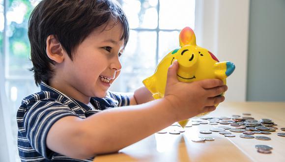 Mientras más temprano enseñes a tus hijos  sobre finanzas, mejor será su relación con el dinero en el futuro.