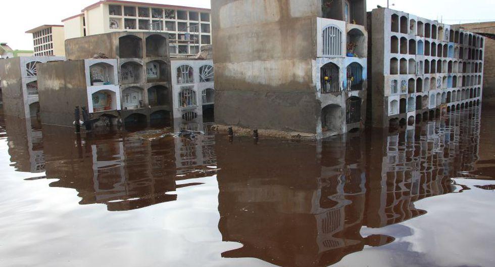 Cementerio de Túcume queda inundado por lluvias y se desploma - 9