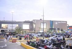 Essalud planea usar playas de estacionamientos de centros comerciales para jornadas masivas de vacunación contra el COVID-19