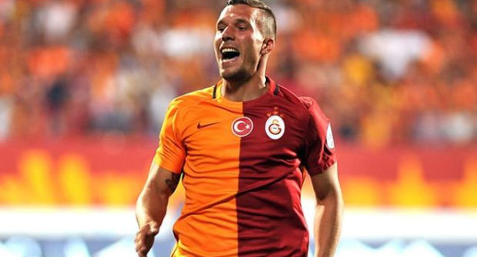 Podolski en conversaciones con Beinjing Guan de Superliga China