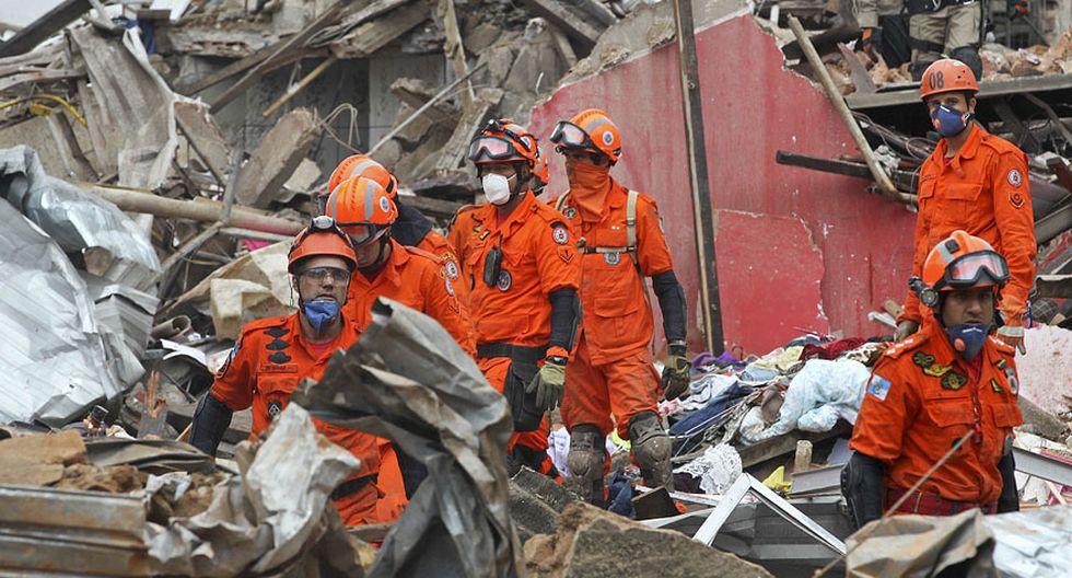 Explosión en Río de Janeiro: edificios se redujeron a escombros - 7