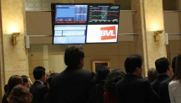 El precio del dólar también influyó en el mercado bursátil, el cual se ubicó el día de hoy en S/. 3.315 (venta) y S/. 3.295 (compra). (Foto: USI)