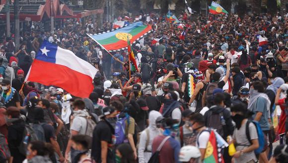 """""""En las últimas semanas hemos sido testigos de uno de los períodos más inestables para la región; inclusive en países como Chile, que destacan por su desarrollo económico y social"""", señala Larrabure. EFE/Alberto Valdes"""