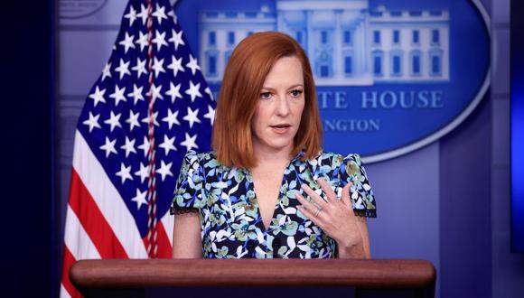 La secretaria de prensa de la Casa Blanca, Jen Psaki, pronuncia un discurso durante una rueda de prensa en Washington, Estados Unidos, el 16 de abril de 2021. (REUTERS/Tom Brenner).