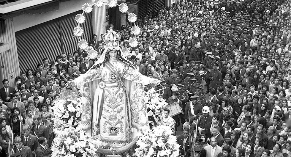 Procesión de la Virgen de las Mercedes en el Centro de Lima. Postal de 1960. Foto: GEC Archivo Histórico