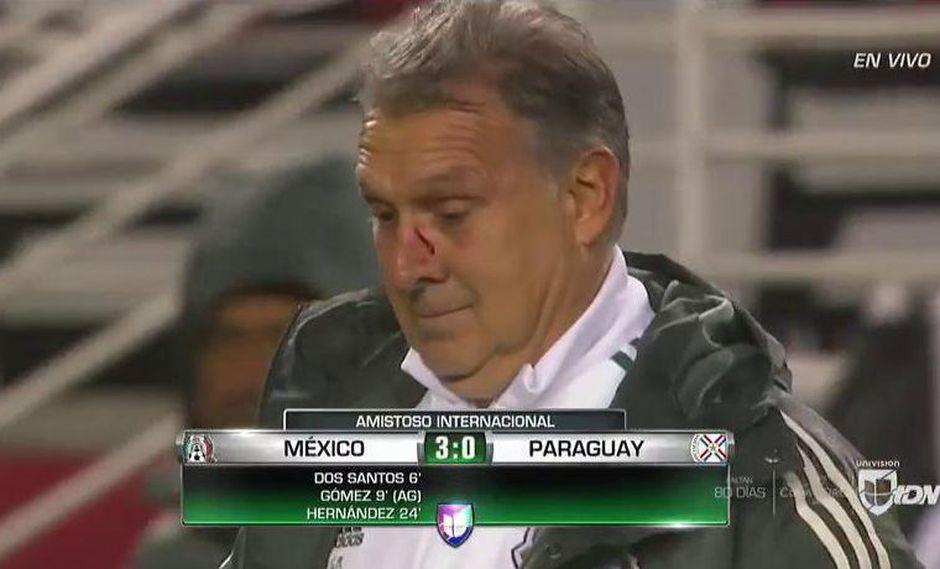 México vs. Paraguay EN VIVO: Eduardo Berizzo le tiró la pelota en la cara al 'Tata' Martino | VIDEO. (Video: YouTube/Foto: Captura de pantalla)