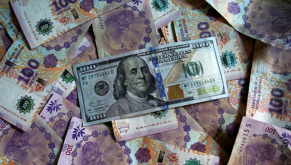 ¿A cuánto se cotiza el dólar blue hoy? (Foto: AFP)