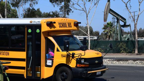 Los escolares de Los Angeles tendrán que esperar hasta el 1 de mayo para que retornen a clases tras prolongarse la apertura de escuelas por el coronavirus (Foto: AFP)