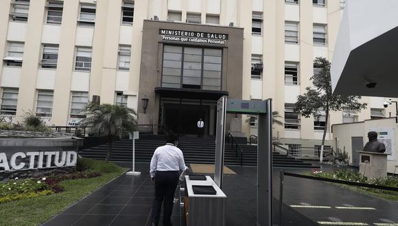Funcionarios del Minsa y la Cancillería estuvieron a cargo de ofertar vacunas fuera del ensayo clínico de Sinopharm. (Foto: Cesar Campos / @photo.gec)