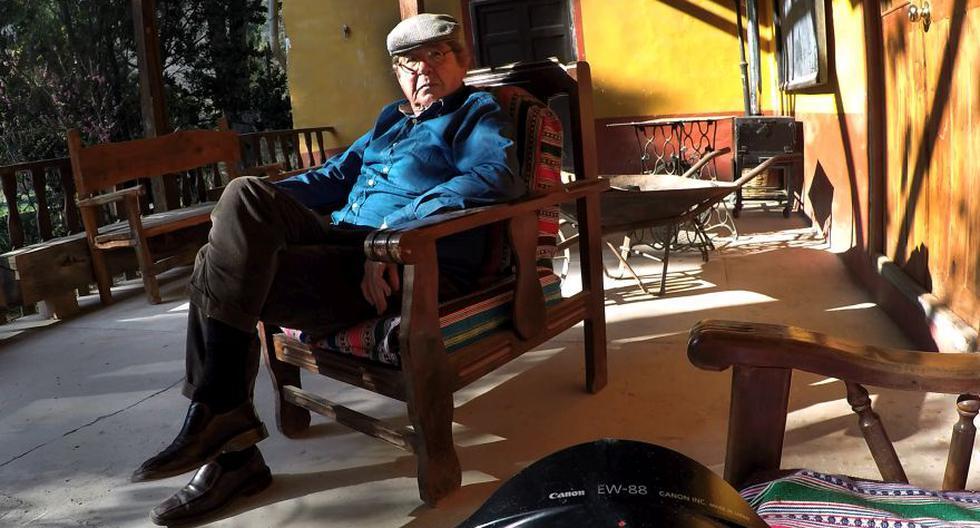 Retrato de Alfredo Bryce Echenique. El escritor ve publicada por Peisa su primera novela en una edición conmemorativa por los 50 años. (FOTOS: Rolly Reyna / El Comercio)