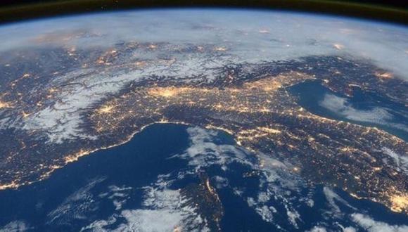 Todo empezó con un post en un grupo de Facebook dedicado al terraplanismo. (Foto: REUTERS/NASA/Tim Peake)