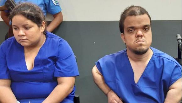 Adrián José Guerrero Echeverri, quien padece de enanismo, y su pareja Nidia Patricia Quintana, se declararon culpables de los delitos de parricidio, asesinato agravado y robo con intimidación agravado.
