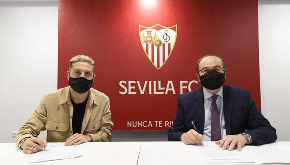 'Papu' Gómez es nuevo jugador del Sevilla hasta el 30 de junio de 2024. (Foto: Sevilla)