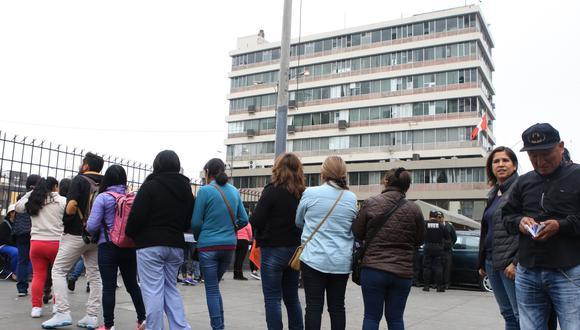 Reniec informó que sus oficinas atenderán este domingo, día de las Elecciones Extraordinarias Congresales 2020, solo para la entrega del DNI. (Foto: Andina)