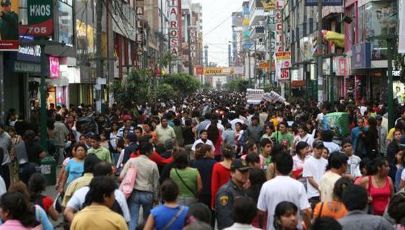 FMI redujo de 3,2% a 2,4% proyección de economía peruana