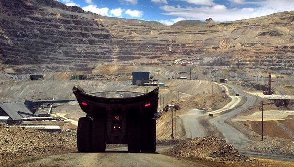 Wood Mackenzie advierte que la producción de cobre podría caer desde el 2024 debido a las demoras en el desarrollo de grandes proyectos y las menores leyes que se minan continuamente (Foto: AFP)