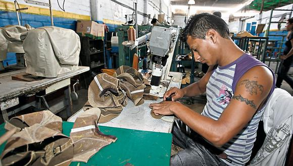 Alrededor de 170 mil personas percibían su sueldo vía recibo por honorarios (Foto. El Comercio)