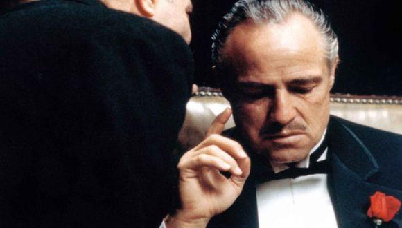 Marlon Brando criticó el actuar de la industria del cine en relación a las comunidades nativo-norteamericanas. El rechazo, hecho por Sacheen Littlefeather, generó una serie de reacciones soezes y también violentas. (Fotos: Agencias)