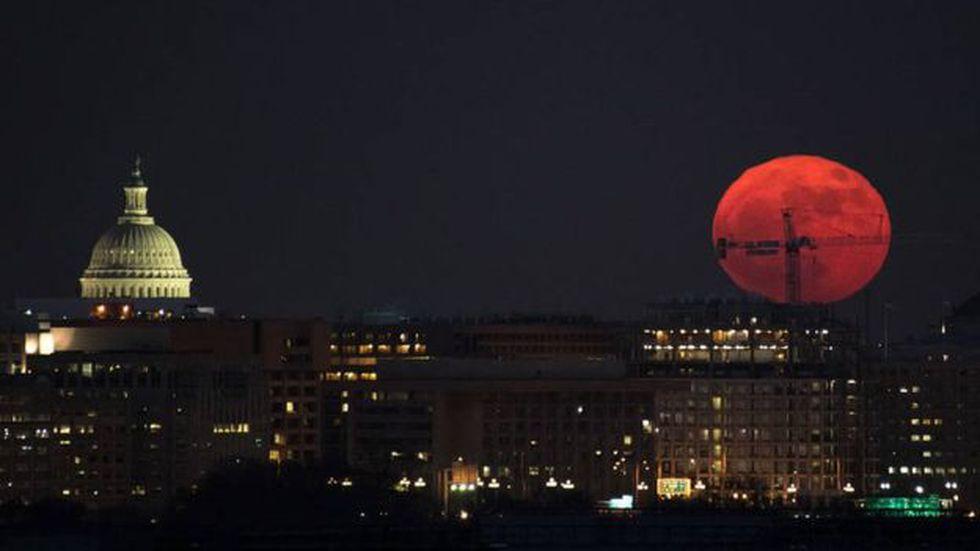 La Luna se encuentra a una distancia promedio de la Tierra de 384.400 km. (Foto: NASA/Bill Ingalls)
