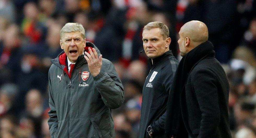 Arsene Wenger, técnico del Arsenal, y Pep Guardiola, entrenador del Manchester City, tuvieron un altercado en la final de la Copa de la Liga inglesa. (Foto: Reuters)