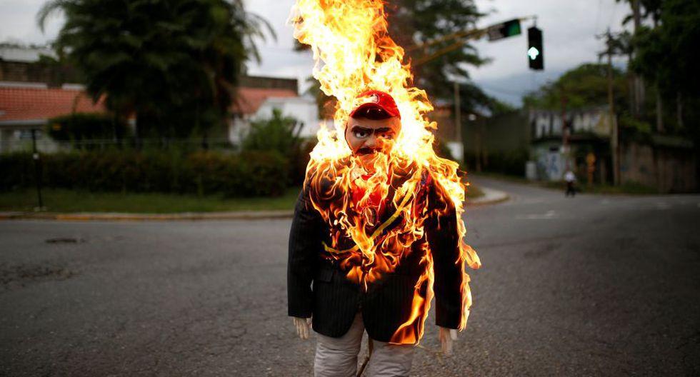 """""""Quema de Judas"""": Maduro y Capriles arden en Venezuela [FOTOS] - 2"""