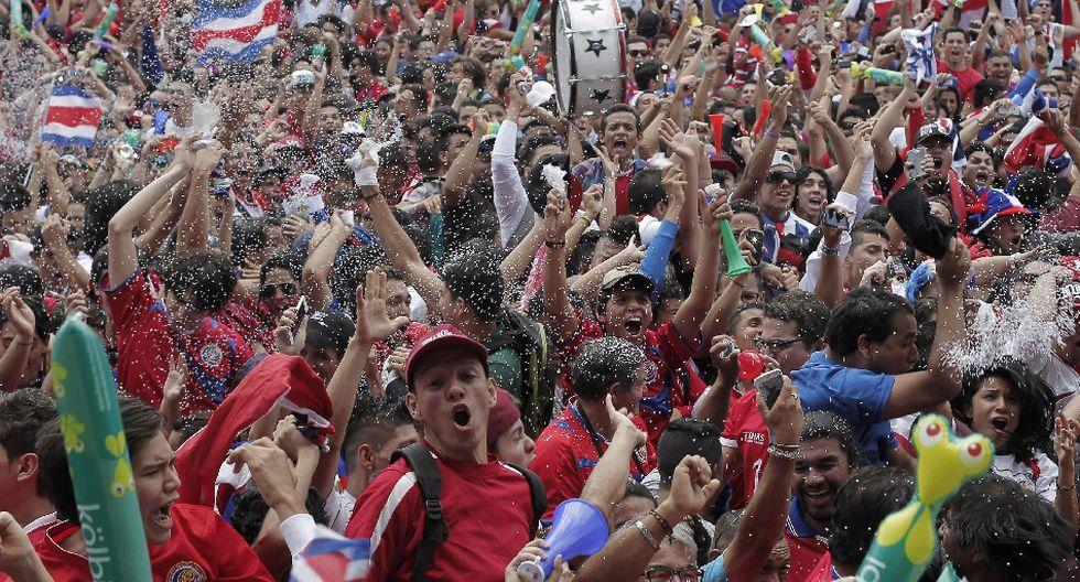 Miles de costarricenses festejaron clasificación en Brasil 2014 - 18