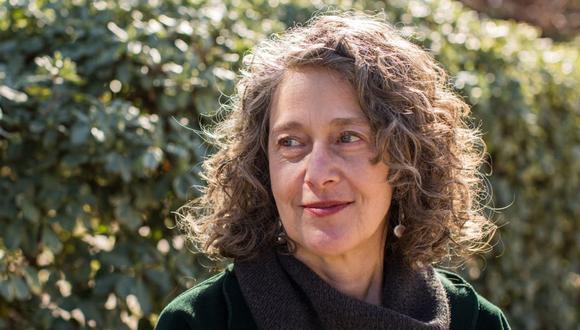 Sally Lehrman fundó The Trust Project como respuesta a un mundo en el que las redes sociales y los motores de búsqueda mezclaban noticias, anuncios, propaganda y opinión como si fueran lo mismo. El Comercio se ha plegado a esa iniciativa. (Foto: SEAN CULLIGAN/OZY)