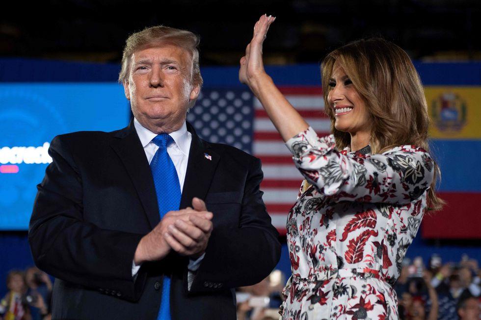 Melania Trump presentó a su esposo antes del discurso en Miami. (AFP).