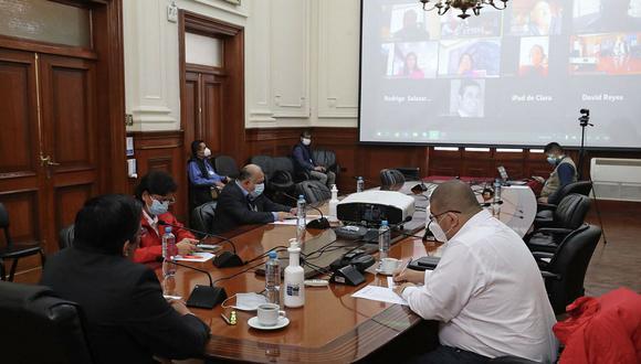 Vicente Zeballos mantuvo una reunión virtual con miembros del CPP. (Foto: Difusión)