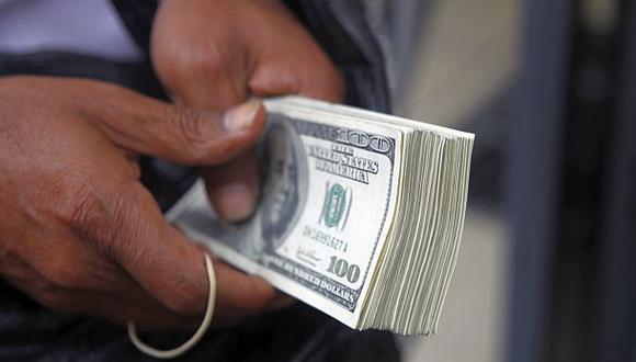 El dólar cerró a S/.3,178 tras venta de US$10 mlls. del BCR