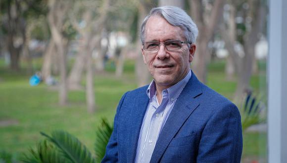 Alfredo Torres, presidente ejecutivo de Ipsos Perú, proyecta tendencias antes de su próxima encuesta. (Foto: Hugo Pérez / GEC)