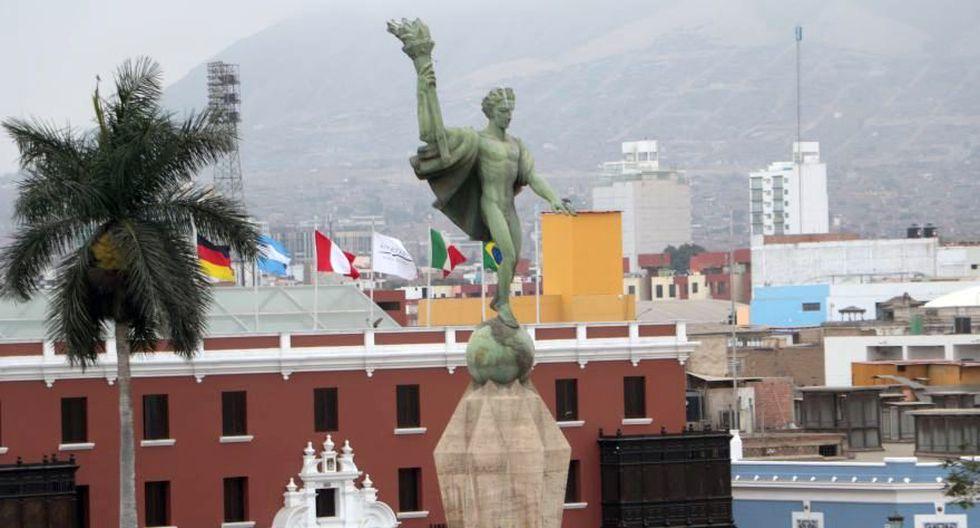 En el centro Plaza de Armas de Trujillo se ubica el monumento a la libertad, una escultura diseñada por el alemán Edmund Möeller entre 1921 y 1929 (Foto: Johnny Aurazo)