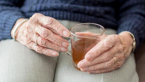 La hidratación es vital en la tercera edad para evitar problemas digestivos y en el tránsito intestinal. (Foto: Pixabay)