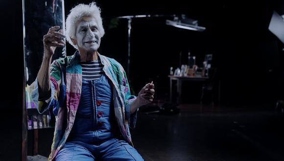 Jorge Acuña ha actuado en diversas plazas y calles del mundo, compartiendo espectáculos de enorme imaginación poética. Todo ello es recogido en documental realizado por Jean Alcocer y Diana Collazos. Foto: CCPUCP