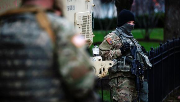 Miembros de la Guardia Nacional aseguran el área cerca del Capitolio para una posible protesta antes de la toma de posesión del presidente electo de Estados Unidos, Joe Biden, en Washington, Estados Unidos. (Foto: REUTERS / Eduardo Munoz).